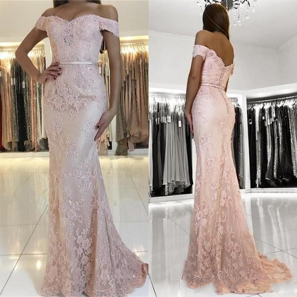 2019 Off Shoulder Blush Pink Evening Dresses Wear Lace Appliques Crystal Beaded Button Back Sweep Train Formal Plus Size Party Prom Gowns