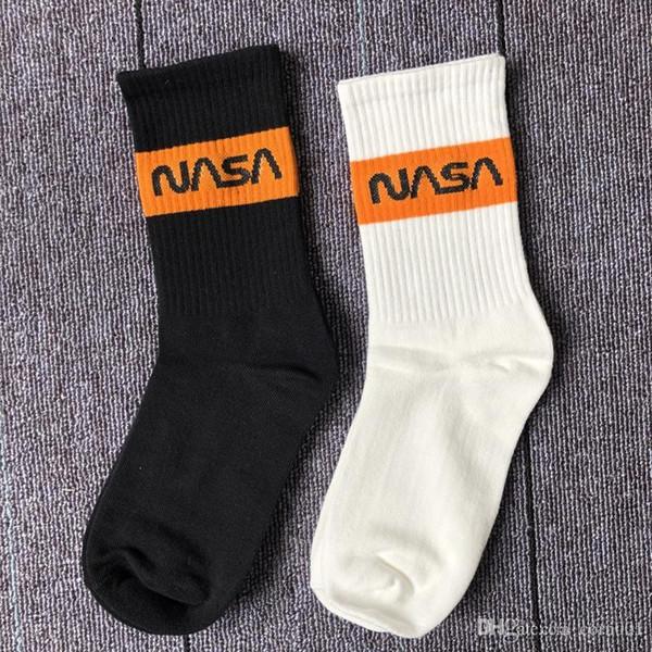 19SS tendance xianhe NASA coton mixte sport chaussettes rue personnalité respirante hommes et femmes dans le tube chaussettes en gros