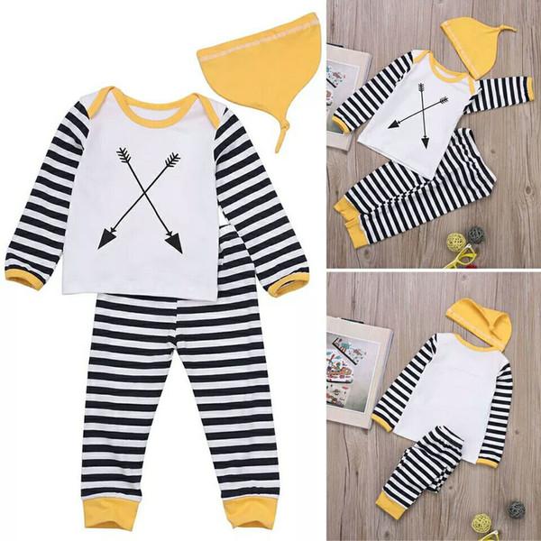 Çocuk Takım Elbise Ilkbahar ve Sonbahar Yeni kızın Takım Elbise Uzun Kollu Ok Şerit T-shirt, Pantolon ve Şapka Üç Kids'Suit Gelgit