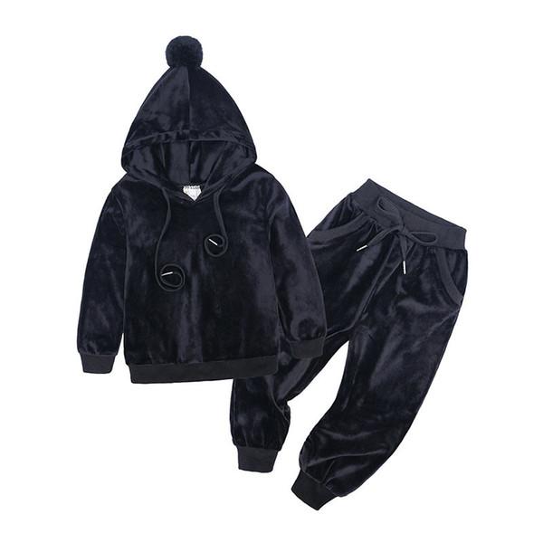 schwarz 9