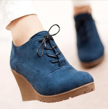 Kadınlar İçin 2016 Yeni takozları Boots Moda Flock Bayanlar Yüksek topuklu Platform Wedges Bilek Boots Lace Up Yüksek Topuklar Ayakkabı