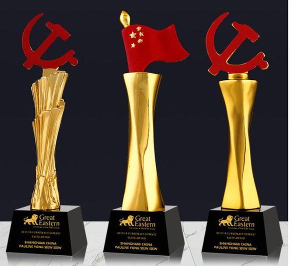 Avenue The Party Bandeira Voando Programa de Crédito cartão estrela Banhado A Ouro Resina decoração pequena troféu artesanato Gravura livre Copa do Mundo