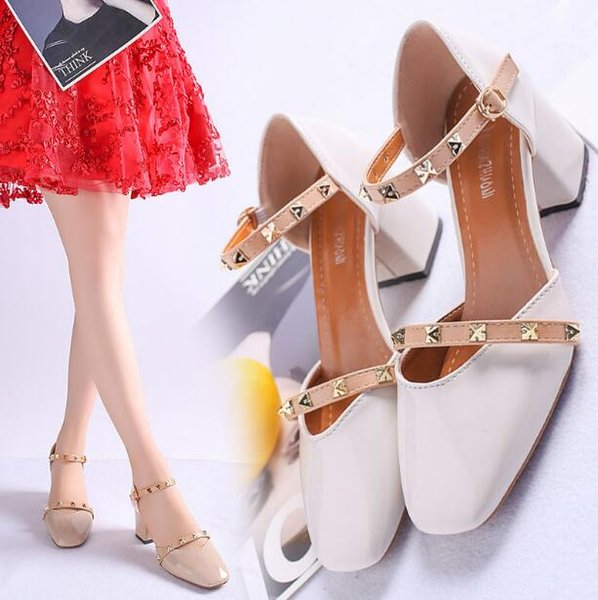 Nova Versão Coreana 2019 Primavera e Verão Novos Sapatos de Salto Baixo-Plataforma de Strass Todos Os Combinar Vestido Sandálias tamanho; 35-39