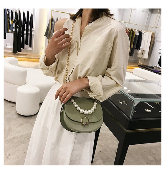 2019 new trend lady small fresh shoulder slung handbag wild pearl chain outdoor leisure saddle bag