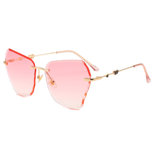 Top ladies personality sunglasses brand designer sunglasses love gold frame glasses ladies high-end irregular fashion sunglasses with box