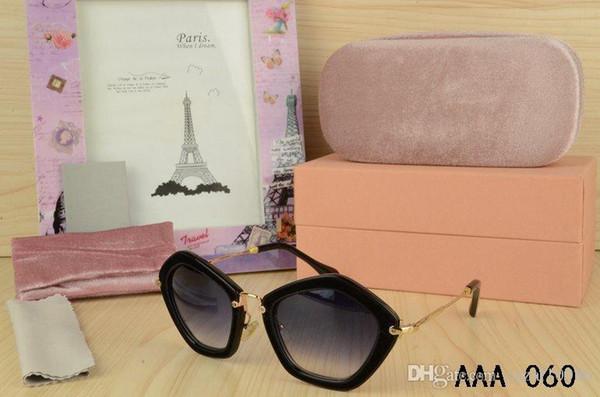 f85ccd032f2d9 Top Clássico Melhor marca de moda borboleta designer de óculos de sol de  verão ao ar livre moda olho de gato HD óculos mulheres com caixa original  frete ...