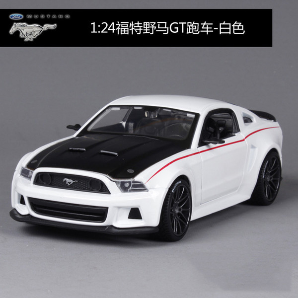 Ford Mustang GT White