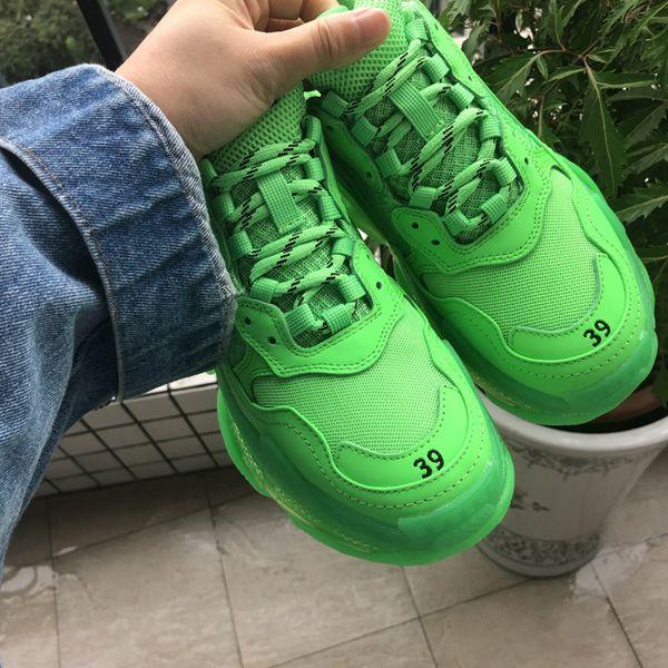 Hot !! 2019 Fashion Paris Triple-S Sneaker Triple S Casual Scarpe da papà per uomo Donna Verde fluorescente Ceahp Sports Designer Scarpe Taglia 36-45 n