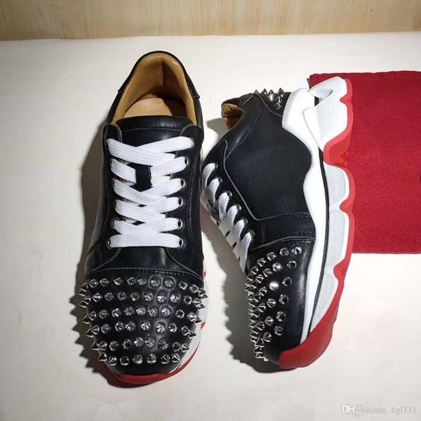 Zapatos Europa y los Estados Unidos nuevo otoño y el invierno de las mujeres de baja para ayudar con remaches de cuero Pareja remaches ocasionales de los zapatos guapos