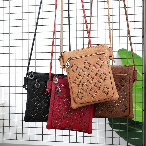 Rivet Crossbody Bag Wholesale 4colors Stylish ladies simple rivet Cell phone bag Korean Summer Fashion Mini Shoulder bag