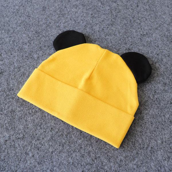 oreille noire et jaune