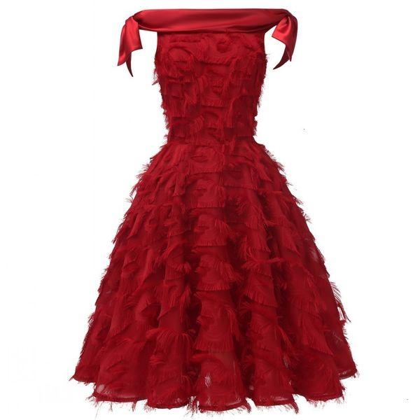 Femmes dentelle robe brodée plume élégante Tassel Robes de demoiselle d'honneur Madame Princesse mariée A-ligne Party Robes Femme