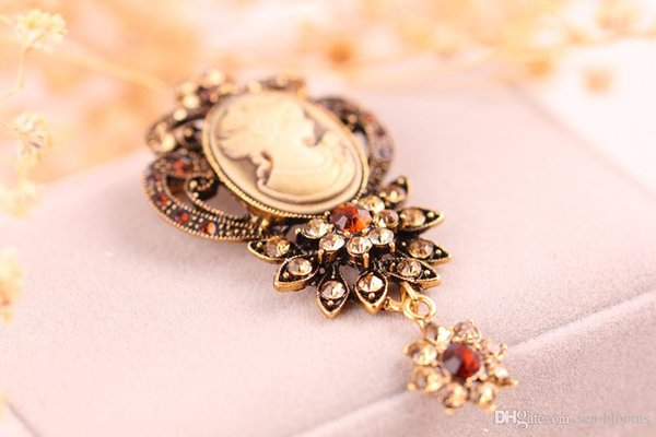 New 6 Styles Vintage Pendant Dangle Brooch Pins Victorian Queen Head Crystal Rhinestone Brooch for Women Girls Pin Brooches Jewelry B533S F