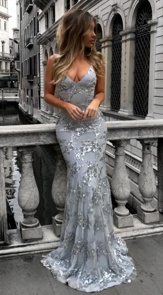 Europe and the United States new fashion evening dress explosion models sexy V-neck sling sequin evening dress
