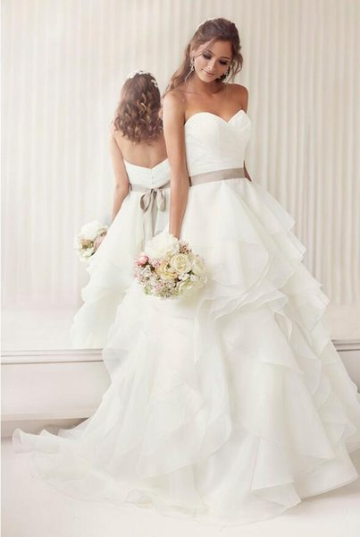 New Arrival Elegant Summer Beach White Wedding Dresses 2019 With Sweetheart Neck Backless Beautiful Vestidos Romantic Bride Gown