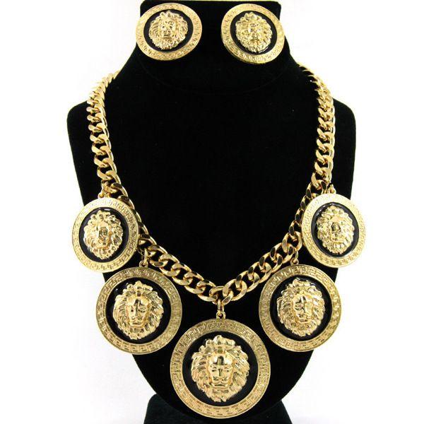 Big Hip-hop Gold Lion Collar Pendiente Set Night Club Fashion Exagerado Aleación Lion Head Colgante Collar Traje con pendientes femeninos