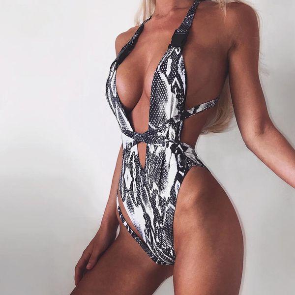 Diseñador de lujo Hebilla Traje de baño Traje de baño Sin respaldo Estampado de triángulo Bikinis Traje de baño de una sola pieza para mujeres Traje de baño de gran corte atractivo Ropa de baño