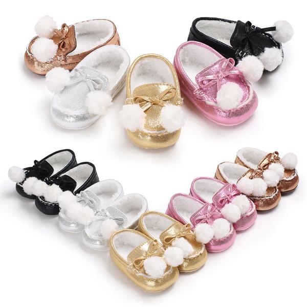 Winter Mädchen Baby plus flauschige Haare Ball helle Farbe PU-Material warme weiche Unterseite Babykleinkindschuhe