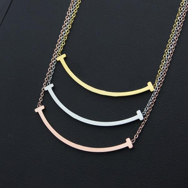 Titane en acier nouvelle mode de haute qualité T pendentif collier en or 18 carats collier Sourire charme charme femmes amour collier bijoux en gros