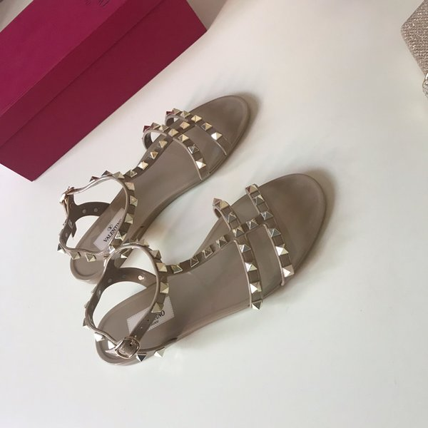 2019 High Quality Fashion Luxury Designer Shoes Vlt Rivets Genuine Leather Sandals Flat Women Casual Brand Shoes Large Size 35-41