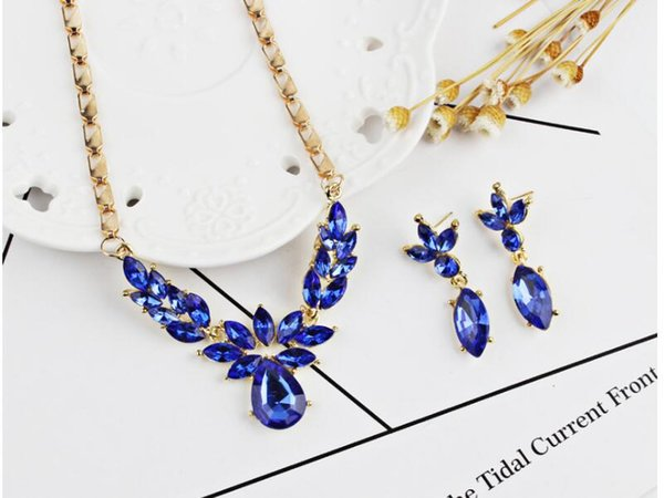 Green/Blue/Red Stones Necklaces Women Fashion Earring Necklace Set Lady 18K Gold Exquisite Party Jewelry Sets