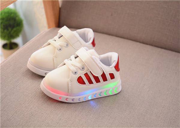 Für Licht Kinder Rutschfeste Großhandel Jungen 22 Neue 2019 Casual 26 Von Mädchen Bunte Flash Sportschuhe Emittierende Schuhe Mode Led Turnschuhe c3qSAL5R4j