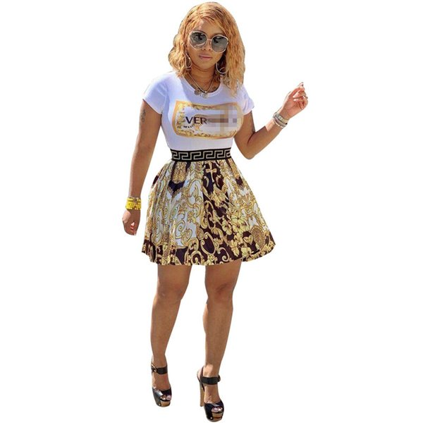Luxury Designer 2 Piece Woman Set Top + Skirt Brand Vers Letter Slim T-shirt + Floral Pleated Mini Skirt Summer Short Dress Outfits C7205