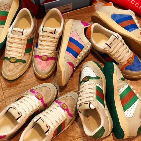 Yeni Varış Lüks Bayan Deri Sneaker Vintage Etkisi Beyaz Deri Sneakers Moda Tasarımcısı Ayakkabı Kadın Eğitmenler İtalya'da Yapılan Okur