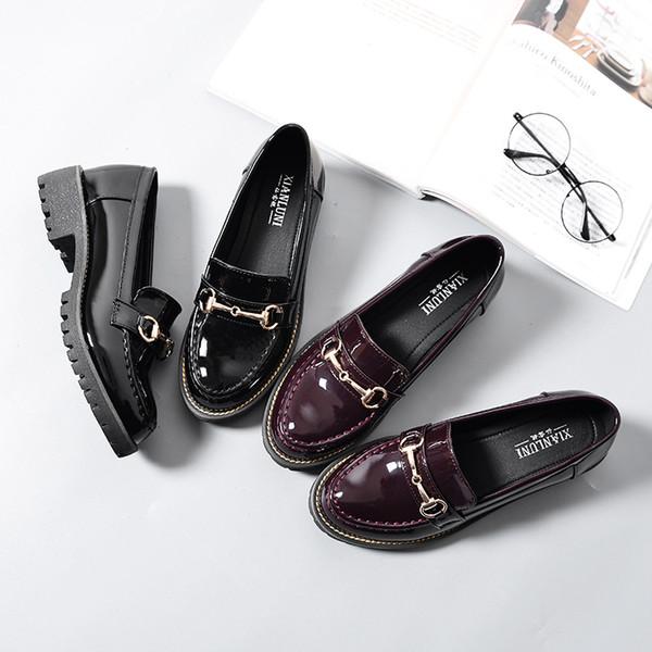 Caliente venta-viento femenino primavera y otoño 2019 Nuevos zapatos de charol solos Colegio viento salvaje negro cabeza redonda zapatos de un pie tamaño 35-40