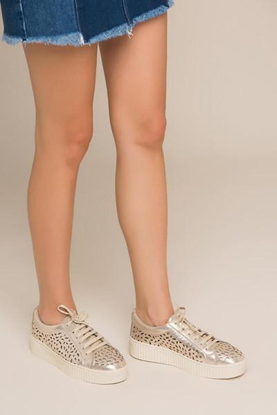 Жемчужно-золотые женские кроссовки