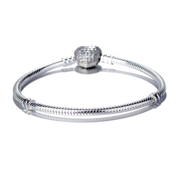Kadınlar Lüks Moda 925 şerit kaplama Aşk Kalp CZ elmas El Zincir Bilezik Pandora Yılan Zincir Bilezik için w75