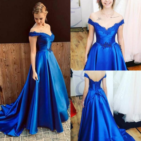 Abiti da sera eleganti da cerimonia in raso blu royal elegante con abiti da ballo sexy con spalle scoperte e applicazioni in pizzo