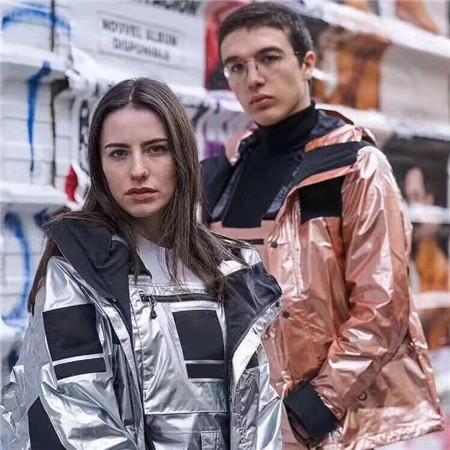 NUEVA llegada del diseñador para hombre reflexivo Mujeres gruesa chaqueta de plumón encapuchado Marca Parkas Reflexión Escudo Calle cazadora informal de alta B101054L