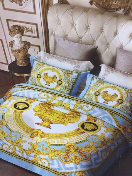 2019 Super luxury European Style Luxury Bedding set Fashion Bed King Queen Size Duvet Cover Set Brand Design Print Bedding Sets