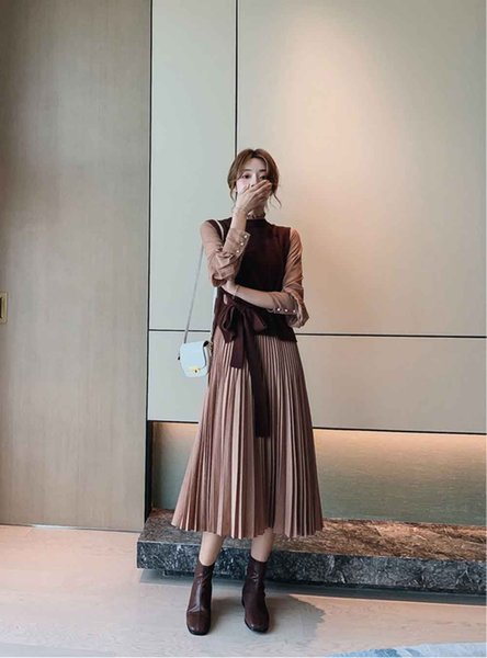 2019 spring and autumn two-piece suit long-sleeved dress new women's waist was thin temperament long pleated skirt