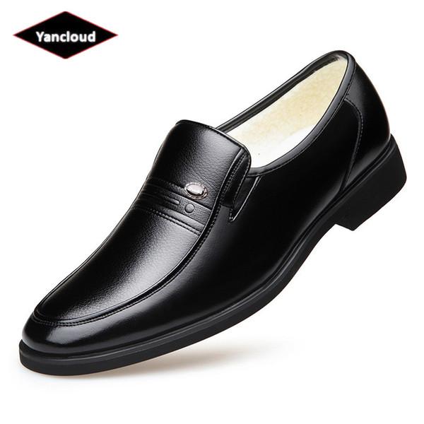 British Slip on Fur Leather Shoes Men Winter Footwear 2018 Business Formal Dress Shoes Elegant Suit Office Warm Shoe