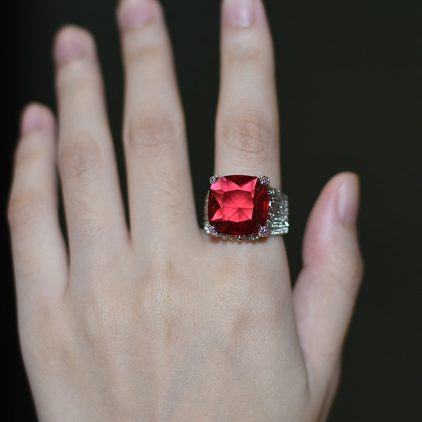 Luxury Red Crystal Zircon Female Ring Geometric Square Women Ring with Big Stone Hyperbole Wedding Banquet Jewelry anillos