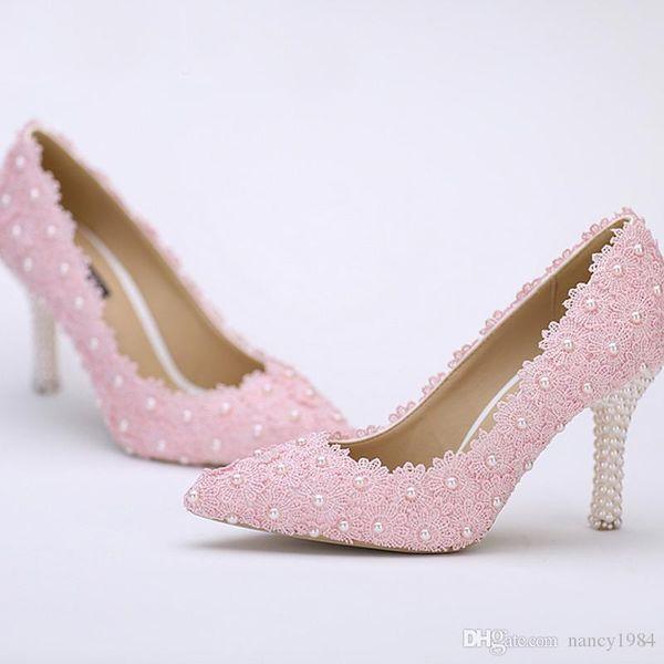 2019 Zapatos de boda de punta puntiaguda Flor de encaje rosa con tacón de perla Moda Mujeres sexy Zapatos de vestir de novia Zapatos de dama de honor baratos