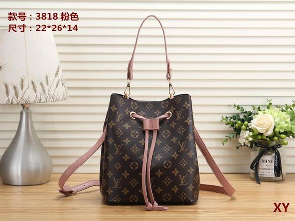 Avrupa ve Amerika marka kadın çanta Moda kadın haberci çantası perçin tek omuz çantası Yüksek kaliteli kadın çanta çanta 261 cüzdanlar