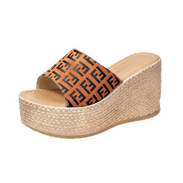FF Mujer Diseñador Sandalias de cuña de verano Plataforma de tacón alto para mujer de la zapatilla de la diapositiva de la marca Fends Flip Flop zapatos de playa de lujo C61004
