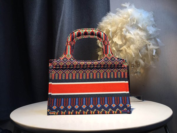 top popular Fashion Luxury Designer Woman Handbags Purse Small Canvas Tote Bags High Quality Wholesale Colorful Print Logo Tote Bags Clutch Handbag 28cm 2019