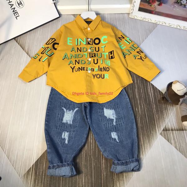 Осень и зима новые мальчики толстовки комплекты детской дизайнерской одежды хлопок толстовка + джинсы 2 шт. Шаблон письма наборы новостей