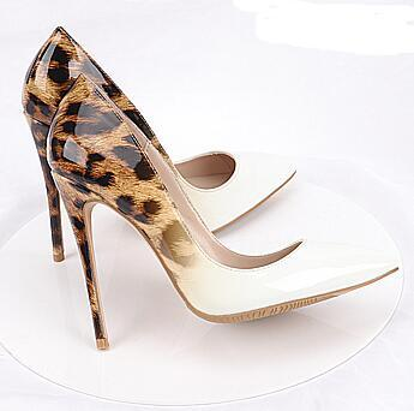 Vente chaude-style de haute qualité femmes talons hauts chaussures rivets violet talons vernis dame chaussures de mariage Chaussures rouges talons hauts chaussures + boîte