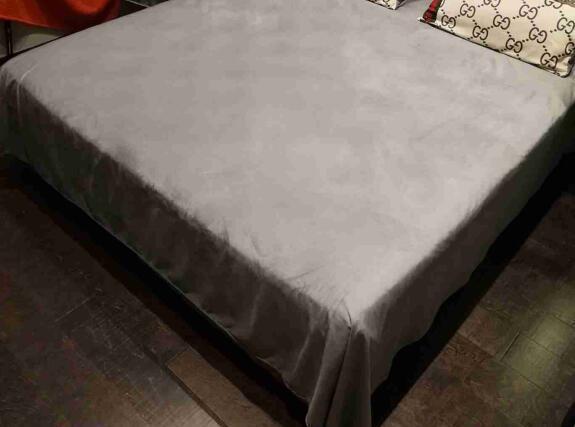 Tiger Full G Traje de cama de la raya Traje de diseño de lujo Moda Logo Fundas de cama Material de lana de invierno Funda nórdica