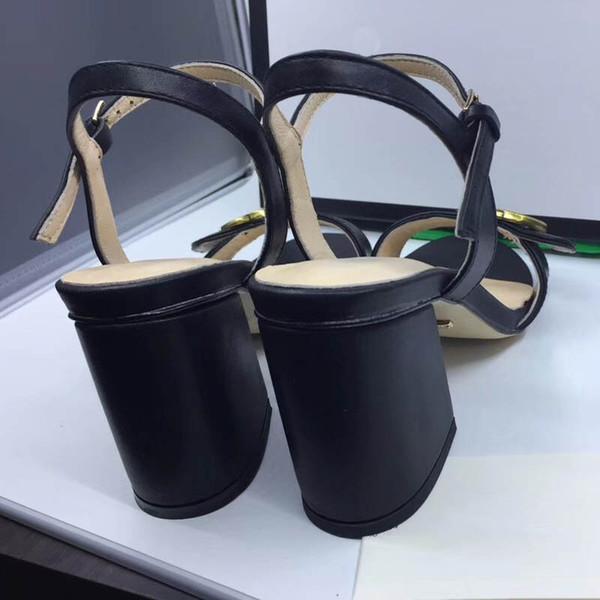 Date Femmes Imprimer En Cuir Sandale Frappant Gladiator Style Designer En Cuir Semelle Extérieure Parfait Toile Plate Plain Sandale Taille 35-42