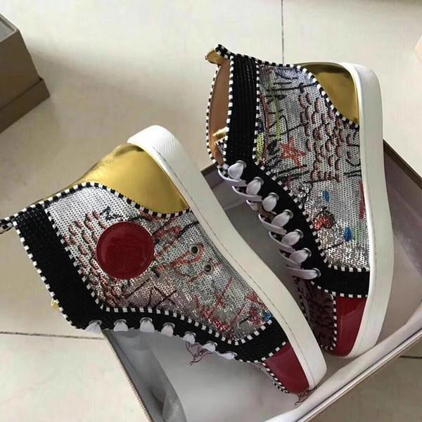 2019 Fashion Designer Brand Studded Spikes Flats scarpe sandali da uomo Scarpe con fondo rosso per uomo e donna Amanti del partito Sneakers in vera pelle