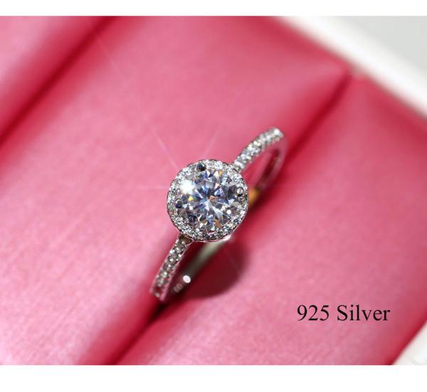 2020 Moda Femminile Grande anello rotondo bianco Diamond Engagement Ring Carino 925 anelli gioielli da sposa d'epoca per le donne