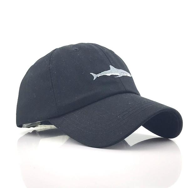 Köpekbalığı İşlemeli Beyzbol Şapkası saf renk saf pamuklu Avrupa suyla yıkanmış eğlence beyzbol şapkalı ve Amerikan erkek ve wome boyunca kavisli