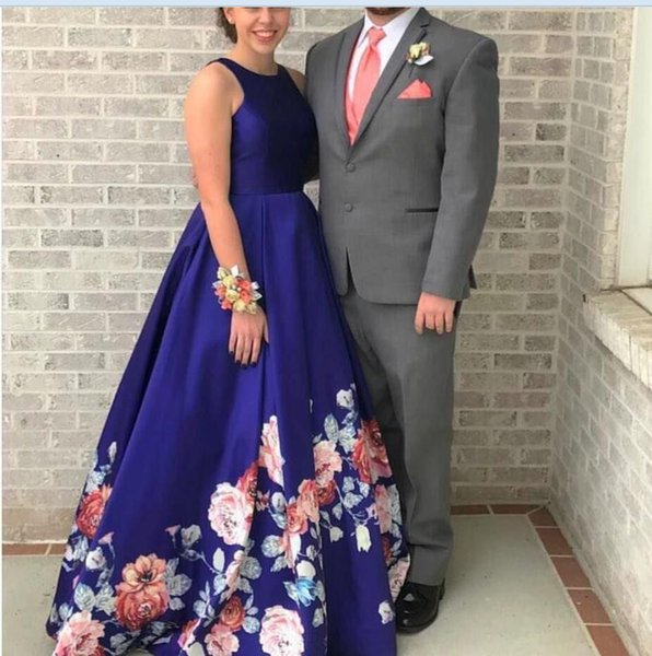 2019 Sexy Prom Dresses Printed Flower Evening Gowns V Neck Sleeveless Backless A Line Ball Gown Long Formal Party Dress Custom Made