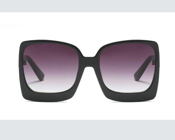 Популярные солнцезащитные очки Роскошные женщины Марка Дизайнер Том Square Summer Style Full Frame верхнего качества Защита от ультрафиолетовых лучей смешанный цвет Come With Box 9782